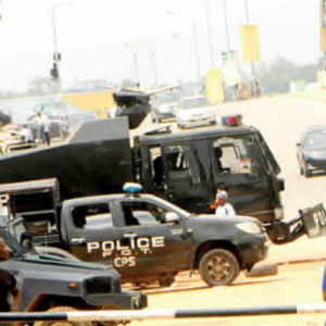 Kachikwu vs Baru: Heavy security at NNPC headquarters …Soldiers, policemen and armoured trucks deployed in corporation