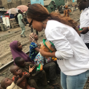 Tonto Dikeh joins Kokun to cook and feed street kids (Photos)