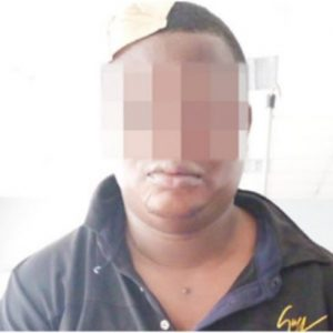 Lagos 'policeman' robs, stabs commuter, leaves ID card at scene