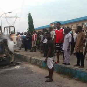 Trailer conveying drinks explodes and raze down while in motion In Warri (Photos)