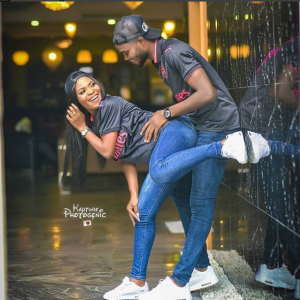 Check Out This Cute Pre-wedding Shoot