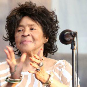 Yvonne Staples Dead: Singer Of The Staple Singer Dies at 80