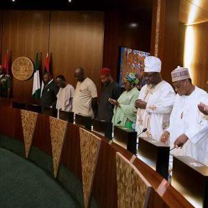 President Buhari Cancels FEC Meeting, Meets Service Chiefs