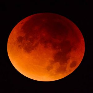 Nigerians Will See Blood Moon Tomorrow From 6:44pm To 9:21pm (See Full Details)