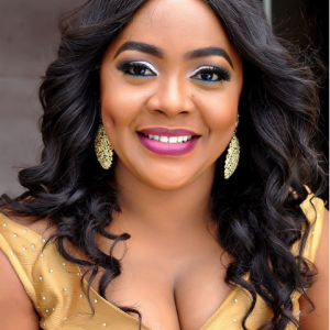 Comedian, Helen Paul Shows Off New Beautiful Photos
