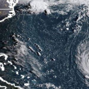 'Monstrous' Hurricane Strom Nears Florida, US