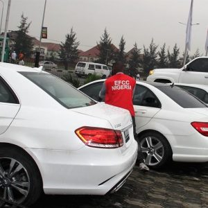 EFCC Seize 29 Exotic Cars From Astrax Auto Shop, Claim Is Owned By Yahoo Boys…